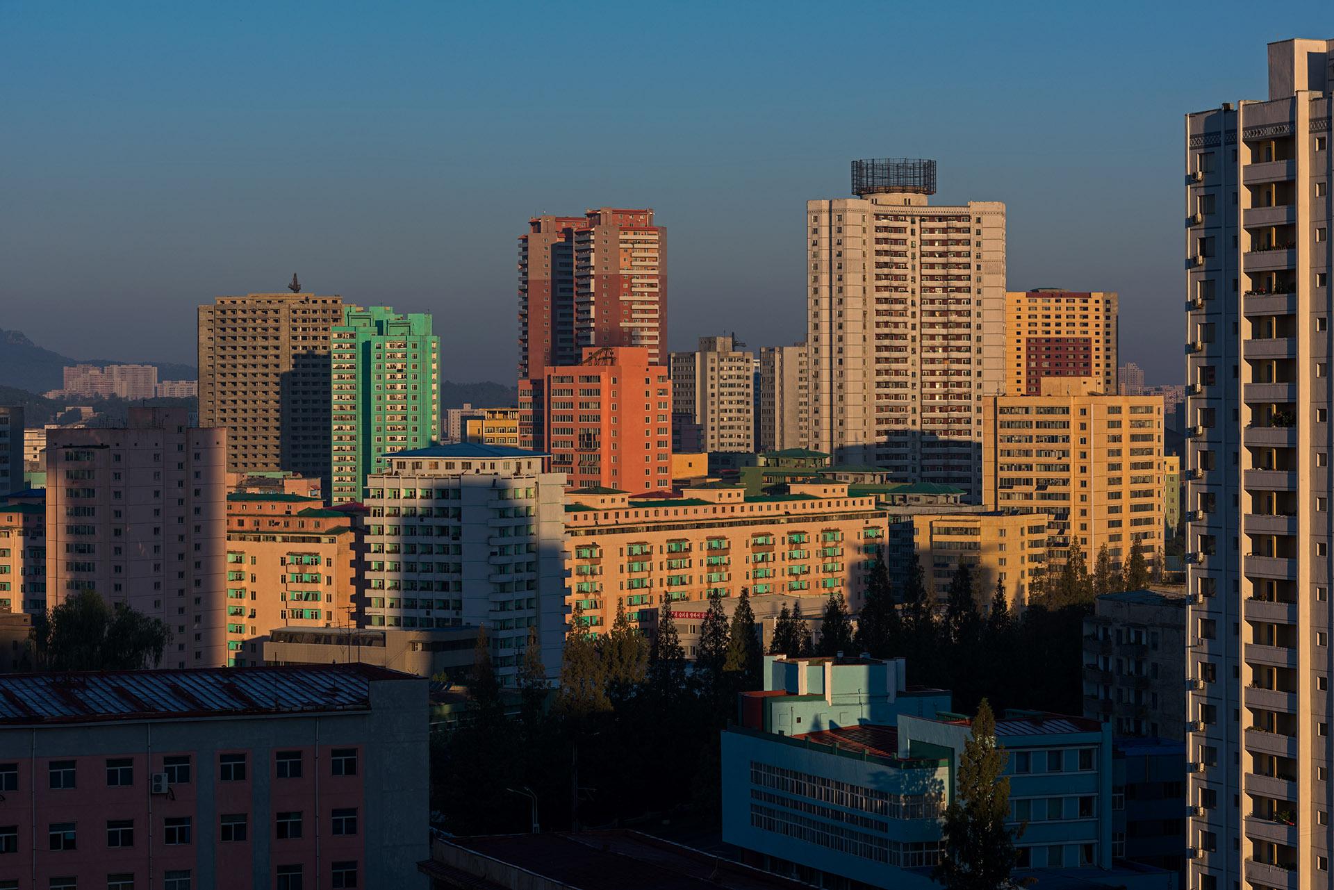 SCOTT A WOODWARD_DSC3245 (Pyongyang Koryo Hotel)